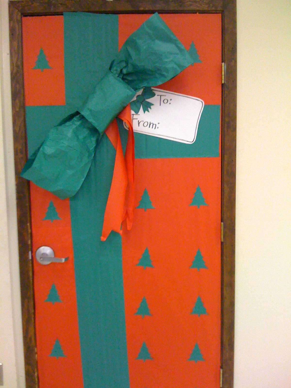 Kinder classroom decorating on pinterest classroom door for Door decorations for christmas